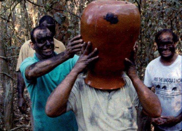 João Maria Gusmão & Pedro Paiva, The great drinking bout, 2007, filme de 16mm, cor, 8 m e 57 seg