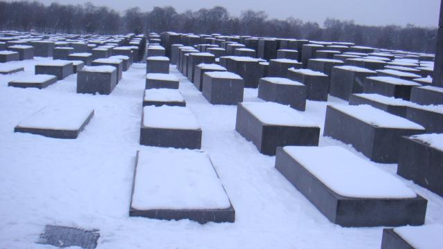 Memorial do Holocausto num dia de neve, Berlim